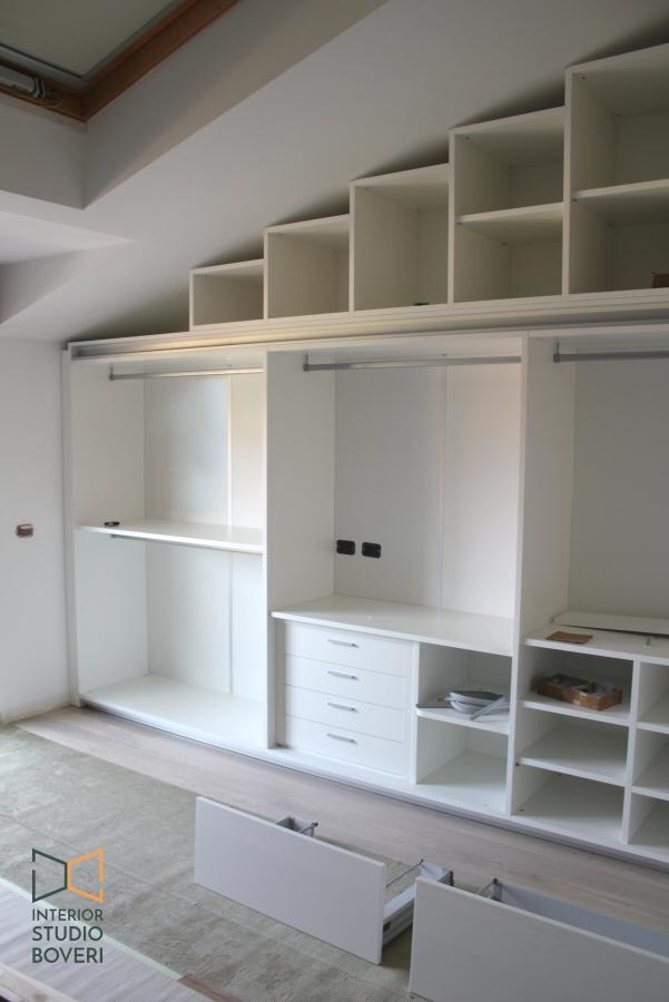 Progettare armadio su misura in una mansarda moderna a monza for Armadio studio