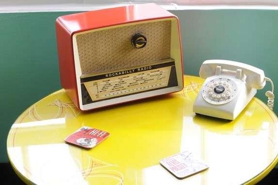 4-Oggettistica-anni50-Stile-Rockabilly
