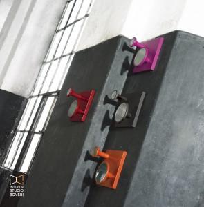 arredamento-ingresso-02-linfa-flauto-appendiabito-in-legno-vari-colori-interior-studio-boveri